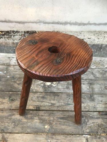 Tabouret de traite pieds tripodes bois vintage