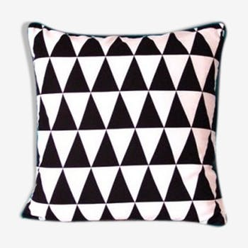 "Cushion ""triangles"" green piping 40 x 40 cm"