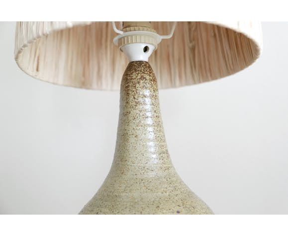 Lampe en grès abat-jour en raphia années 50