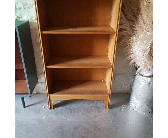 Narrow library vintage sliding door