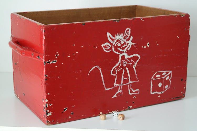 Caisse à jouets en bois peint vintage