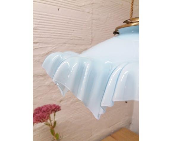 Opaline bleue tendre à feston