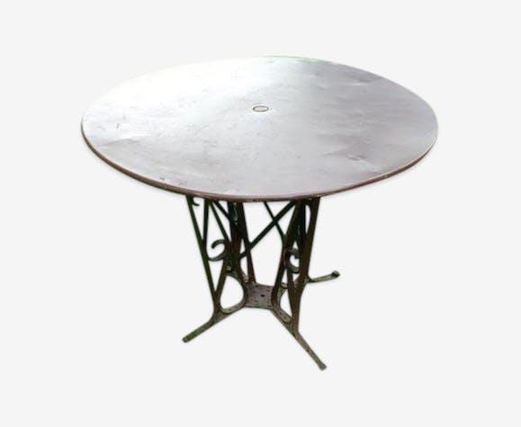 Table de jardin ancienne en métal avec piètement \