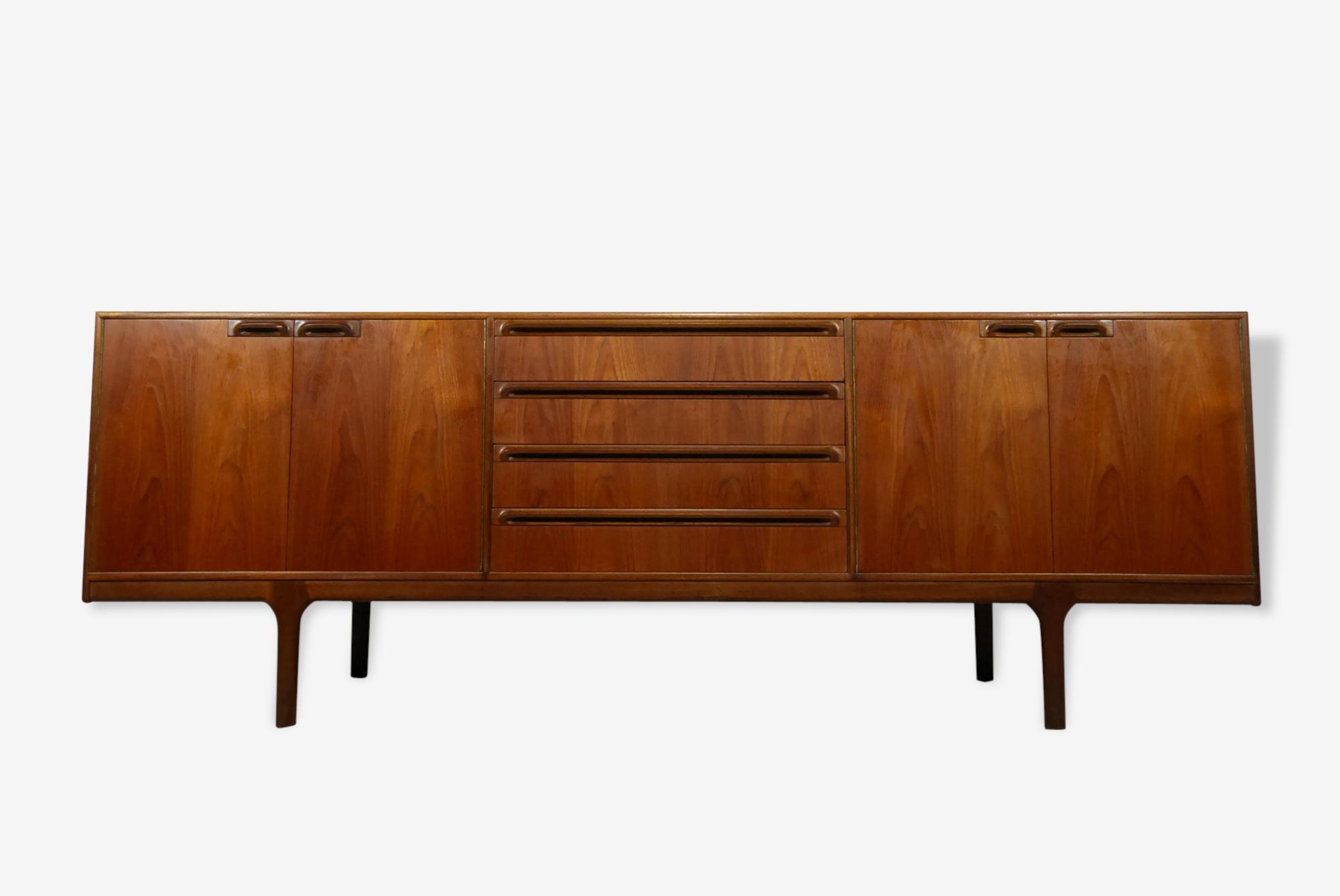 Enfilade McIntosh by Tom Robertson - 213 cm