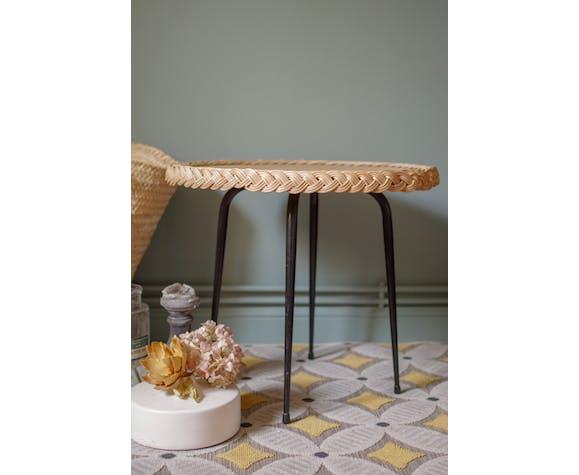 Table en rotin vintage années 60 piétement métal noir