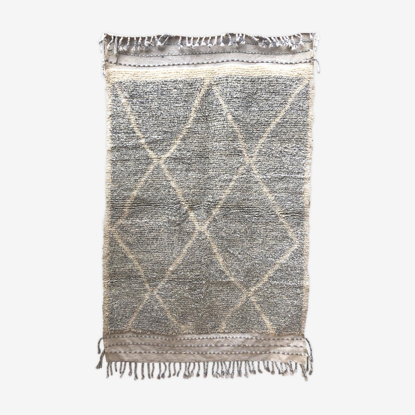 Tapis berbère marocain beni ouarain écru et gris clair moucheté 235x140cm