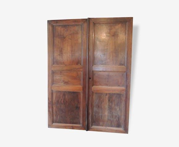 Portes d'armoire ancienne en noyer - bois (Matériau) - marron ... on