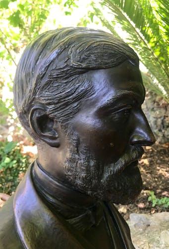 Portrait en buste du Docteur T. Bertholle signé Gaston Guitton