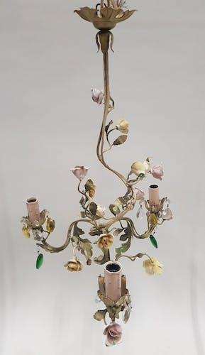 Luste métal peint décor de fleurs en faïence