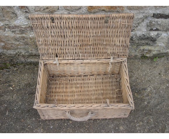 Basket rattan trunk of fisherman from 1960