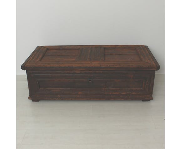 Ancient chest ca 1790