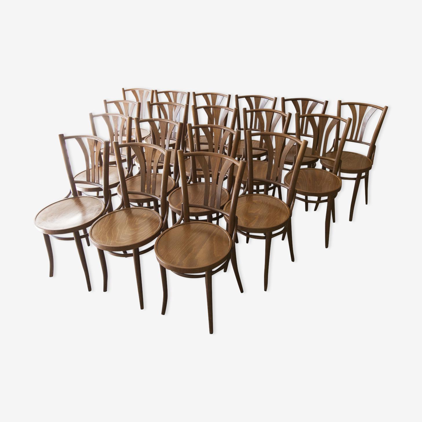 Ensemble de 18 chaises bistrot
