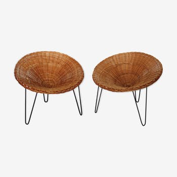 Pair of armchairs in rattan basket