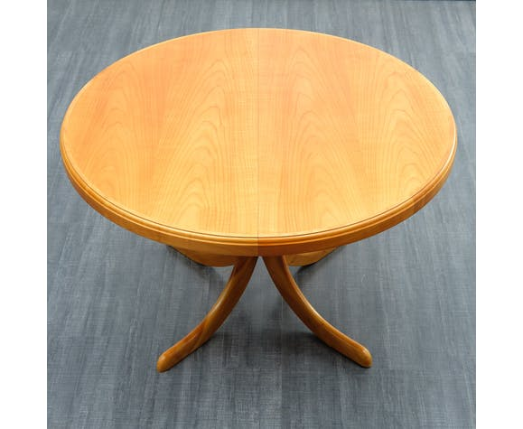 Vintage 60's round table in cherry wood
