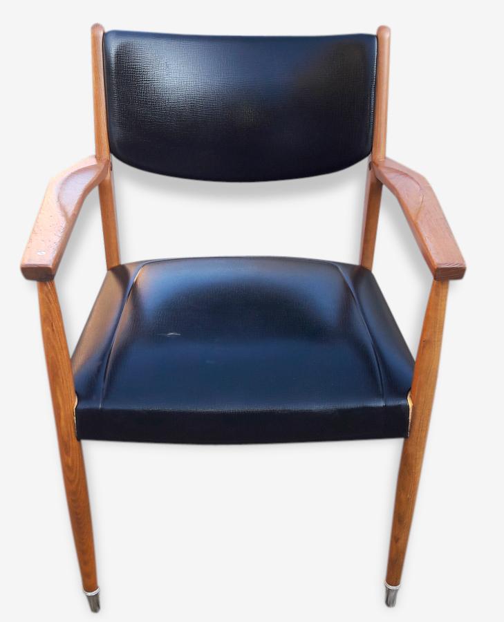 Vintage fauteuil scandinave simili cuir noir ska¯ noir