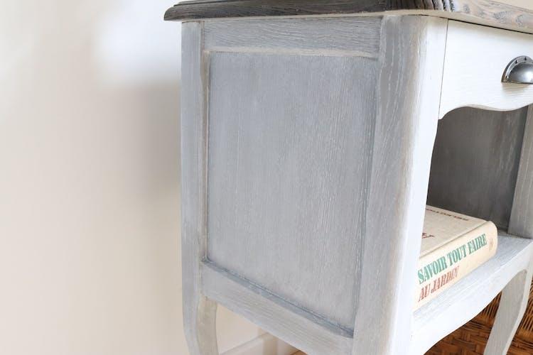 Chevet patiné gris bois