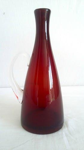Carafe en verre soufflé design vintage