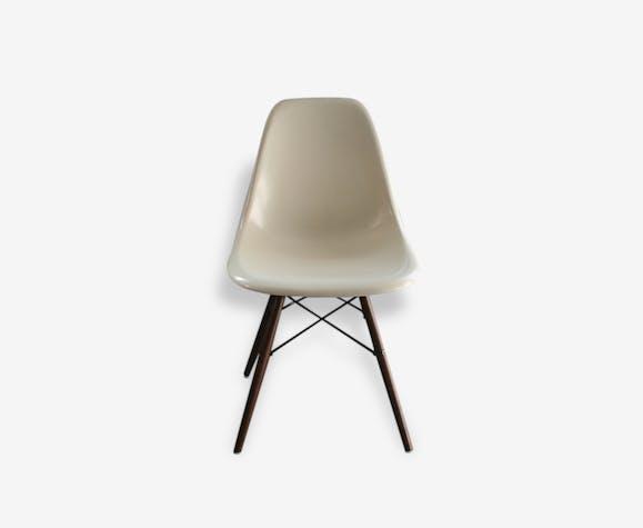 1 chaise dsw blanche eames dowel herman miller - fibre de verre ...