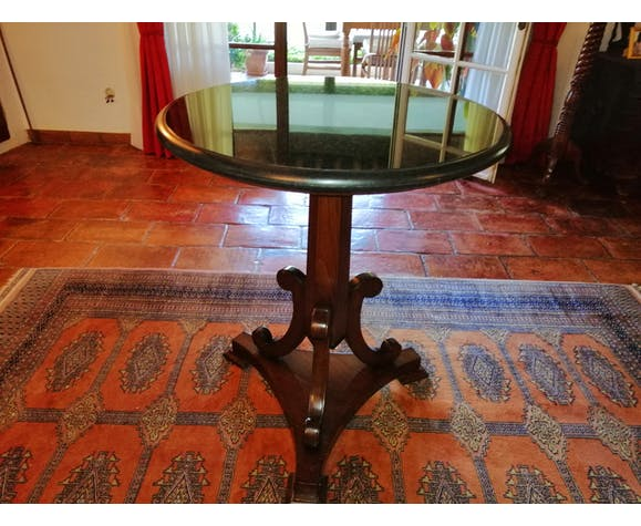 Table ronde à marbre