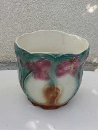 Cache pot en ceramique émaillée barbotine, motif floral, art deco