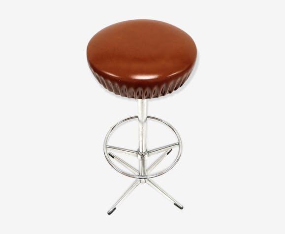 Tabouret de bar rotatif vintage avec assise en cognac et base en métal des années 60