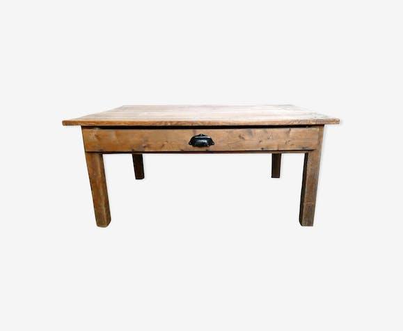 Table basse en bois massif avec un tiroir