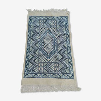 Blue and white Berber carpet wool 120 x 68 cm