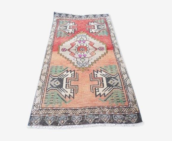 1970s turkish yastik rug - 1′8″ × 3′6″ (52 x 106 cm)