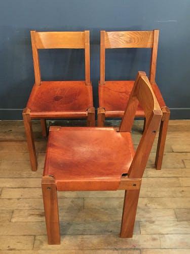"""Suite de 3 chaises """"S24"""" Pierre Chapo"""
