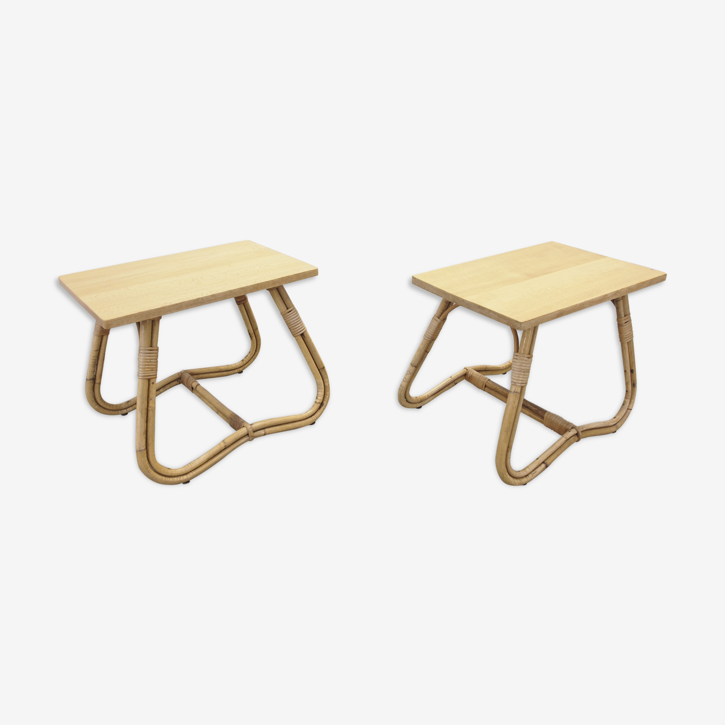 Paire de tables de chevet en rotin hollandais