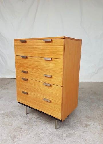 Commode du milieu du siècle par Stag, conçue par John et Sylvia Reid