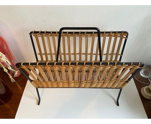 Porte-revues en osier tressé et métal