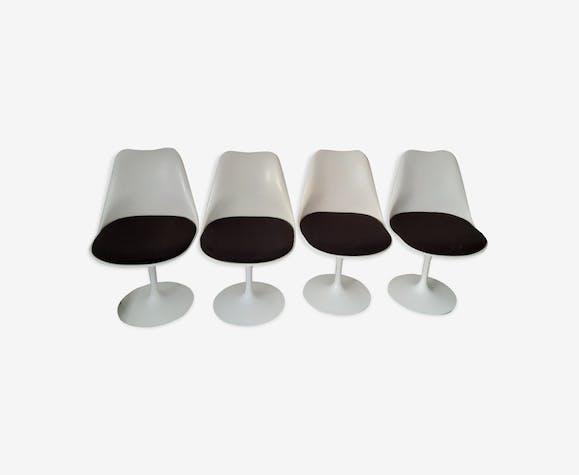Set de 4 chaises Tulipe par Eero Saarinen édition Knoll