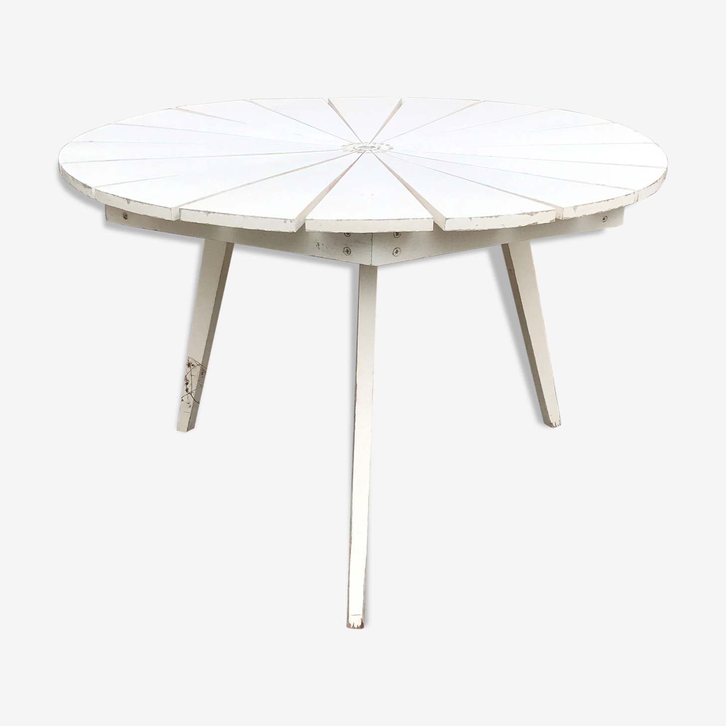 Folding round table 3 feet