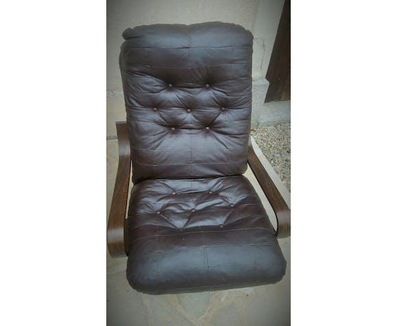 Paire de fauteuils relax en cuir vintage