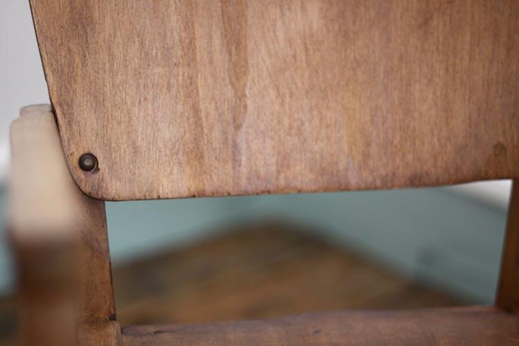 Fauteuil en bois pour enfant