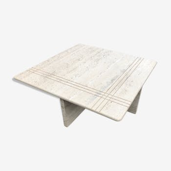 Square bass table in travertine