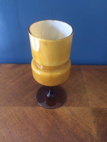 Vase ancien en opaline