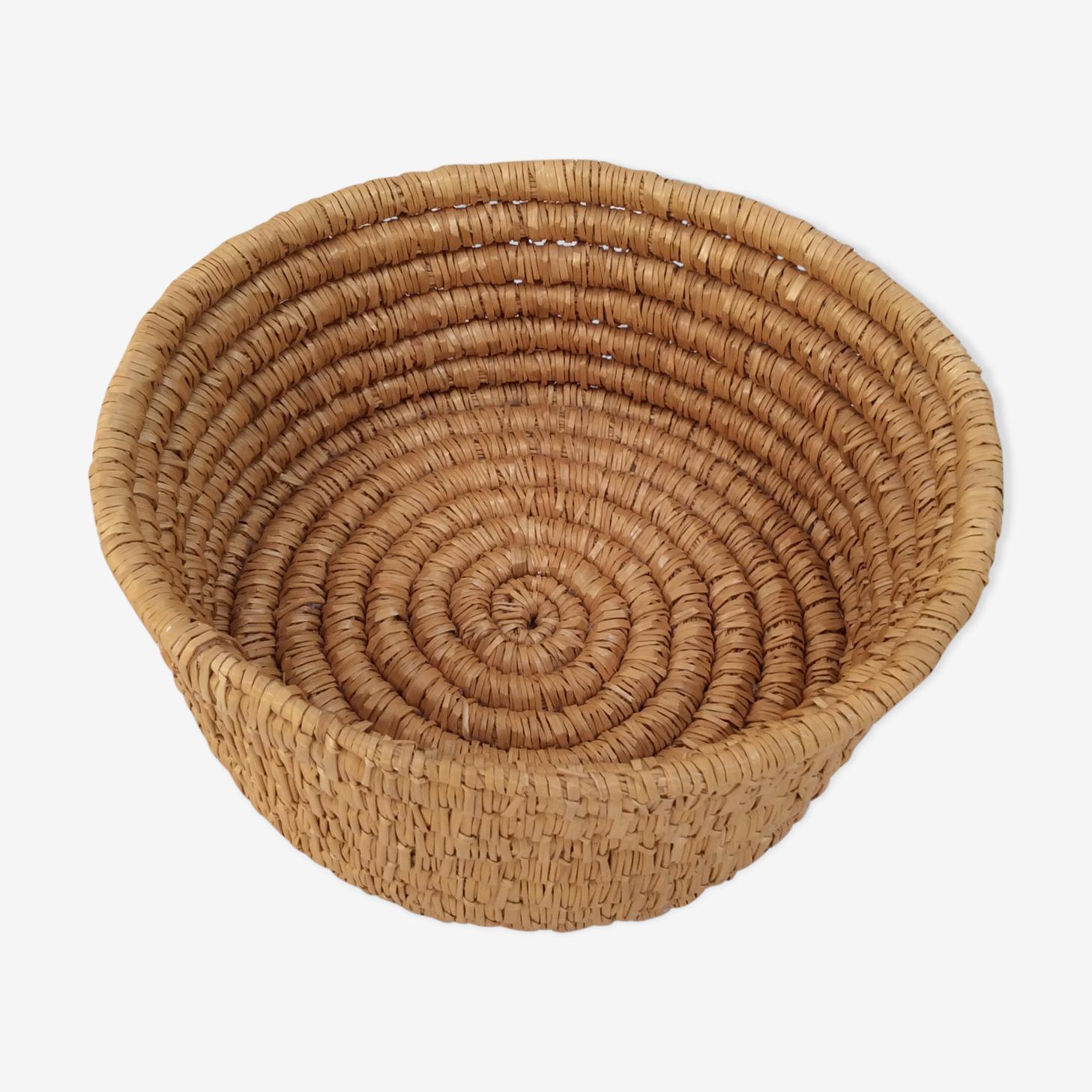 Basket round straw vintage