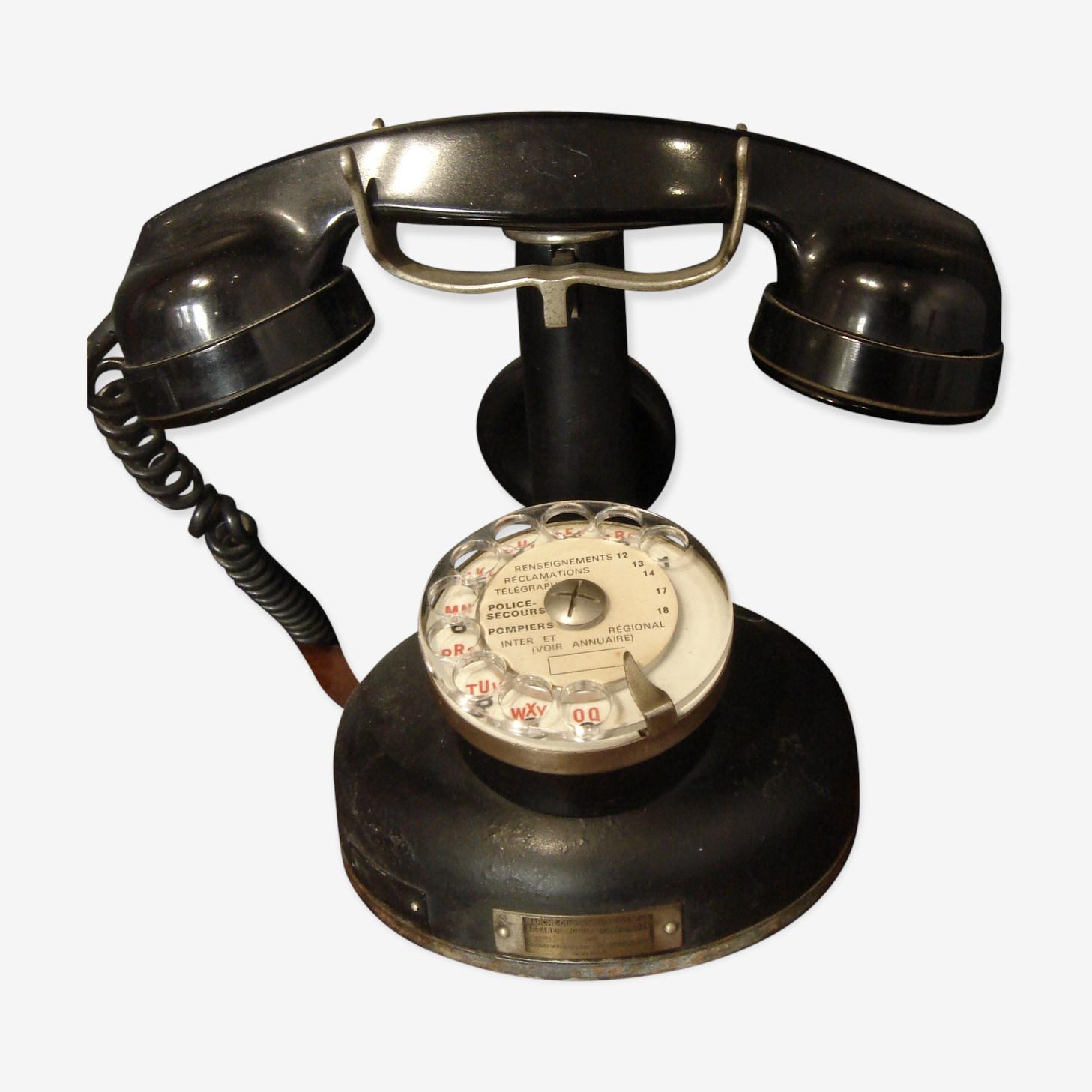 Téléphone de comptoir en bakélite de 1933
