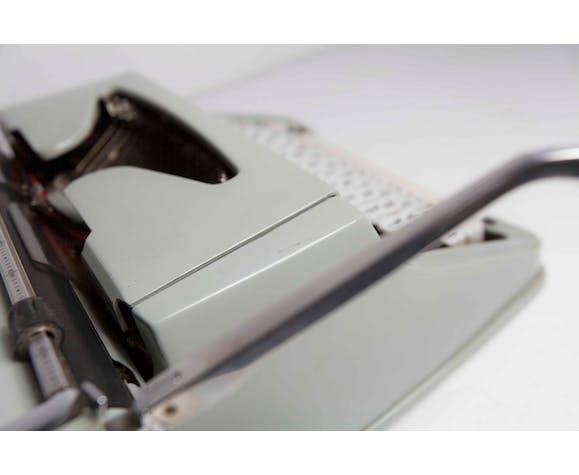Machine à écrire Hermès 3000 nettoyé et testée
