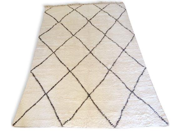 tapis berb re beni ouarain authentique 300 x 200 cm tissu blanc design 140125. Black Bedroom Furniture Sets. Home Design Ideas