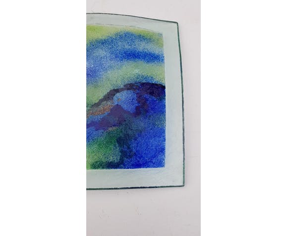 Contemporary glass cut signed 28 cm
