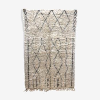 Tapis berbère marocain Marmoucha à motifs libres noirs 2,69x1,69m