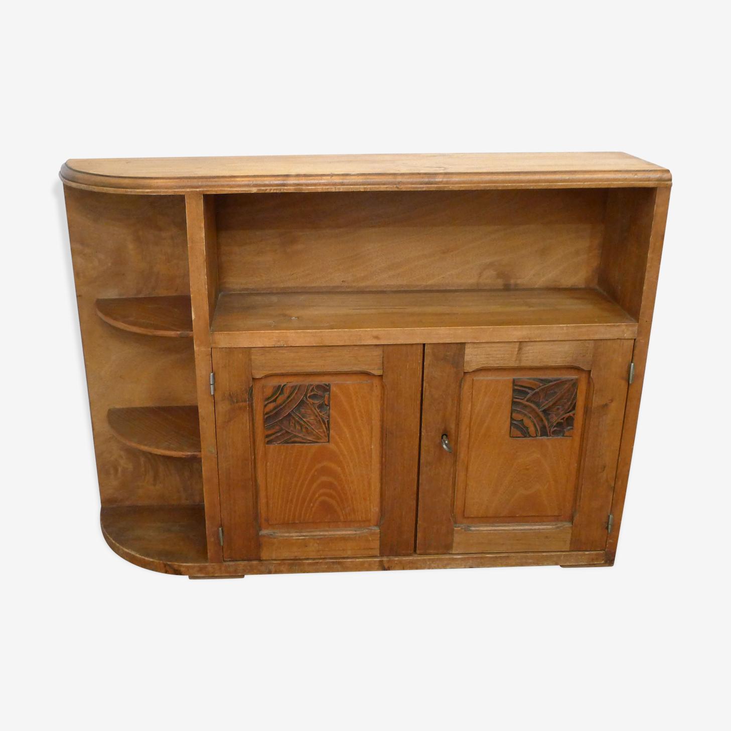 Meuble de rangement art déco avec étagères en bois