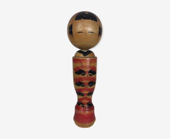 Kokeshi, poupée japonaise peinte à la main