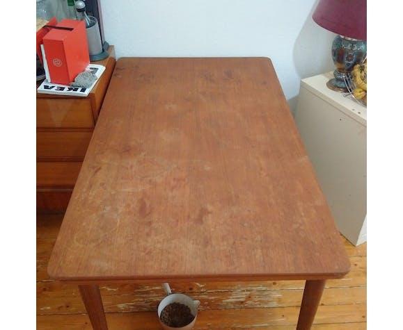 Table scandinave année 60 en teck