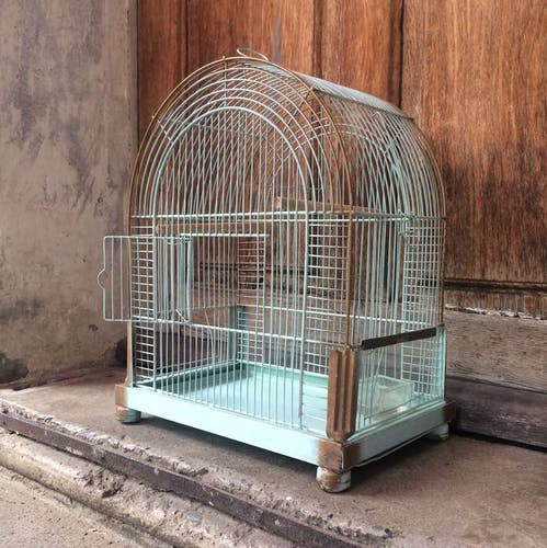 Ancienne cage à oiseaux en métal