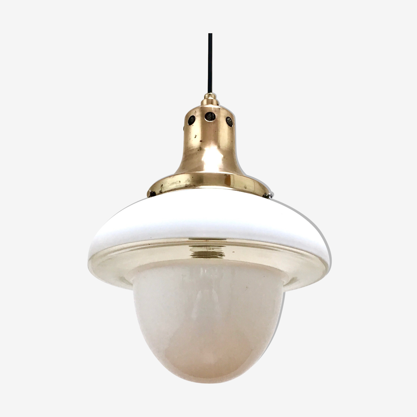 Suspension opaline circa 1950
