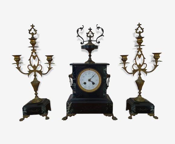 pendule napol on iii avec ses deux chandeliers marbre noir et bronze marbre noir. Black Bedroom Furniture Sets. Home Design Ideas